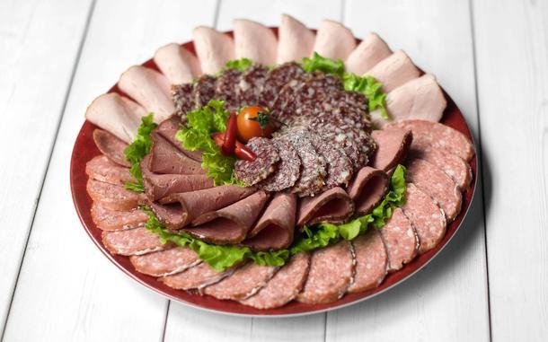 Ассорти мясное (говядина х/к, рулет куриный, колбаса с/к)