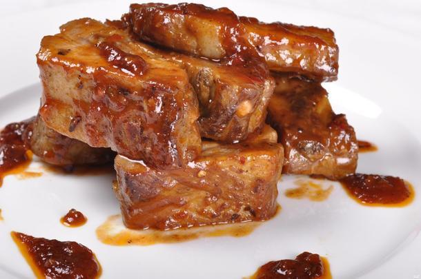 Миньоны из говядины, маринованные в медово-горчичном маринаде