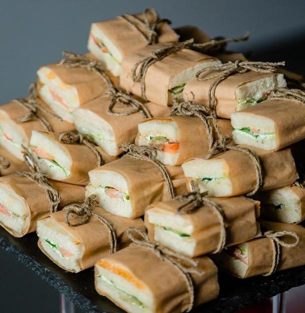 Мини сэндвич с филе горбуши