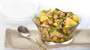 Салат «Погребок» (шампиньоны маринованные, картофель, малосольный огурец, соус)