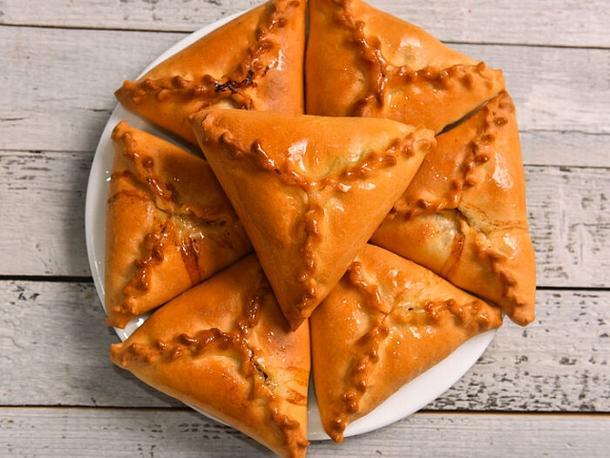 Национальная татарская выпечка «Эч почмак»